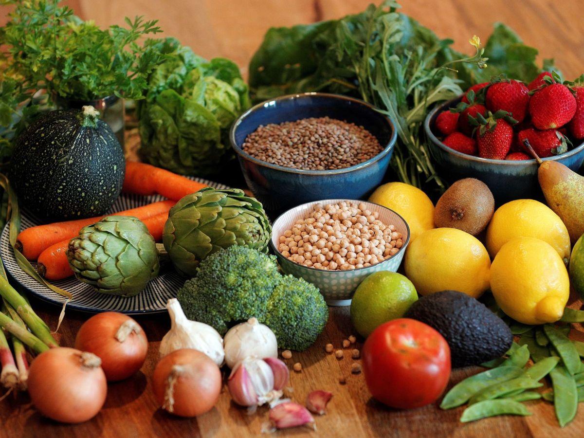 Foto: La base de la dieta mediterránea. (EFE) más necesaria que nunca
