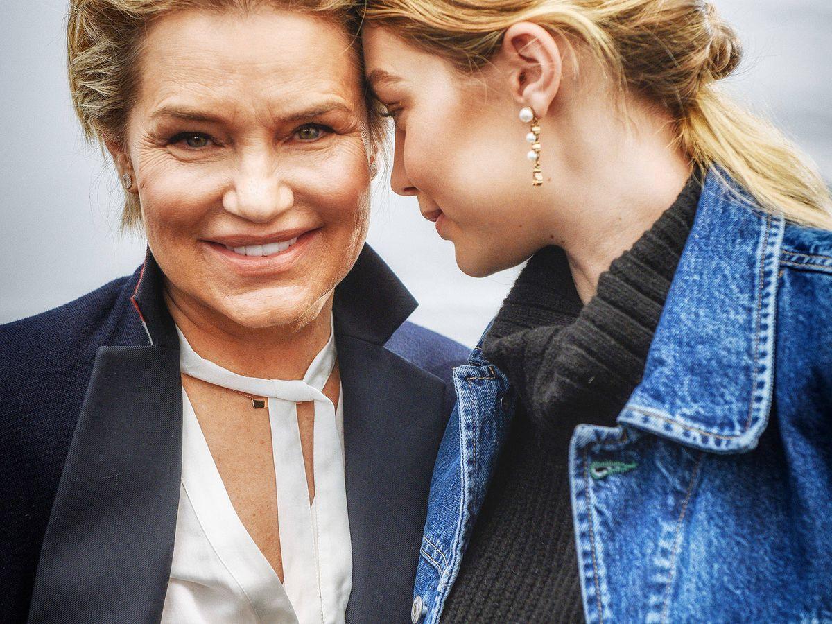 Foto: Yolanda Foster y Bella Hadid, en un photocall. (Getty)