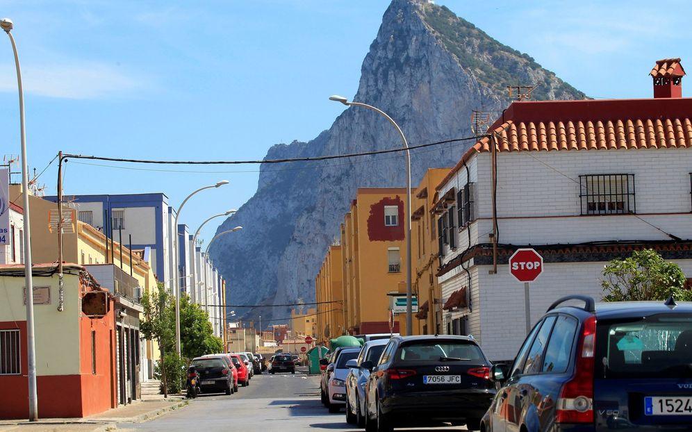 Foto: La barriada de San Bernardo, en la Línea de la Concepción de Cádiz, donde se detuvo a un líder de una banda de narcotráfico. (EFE)