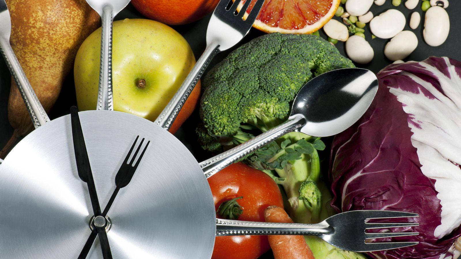 Foto: Aprende a introducir diferentes alimentos en tu dieta sin pasar hambre (ni excederte). (iStock)