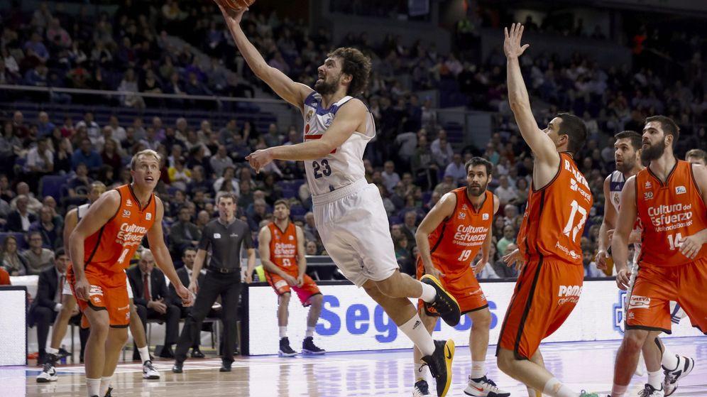 Foto: Real Madrid y Valencia Basket se enfrentan este viernes en el primer partido de la final de la Liga Endesa. (EFE)