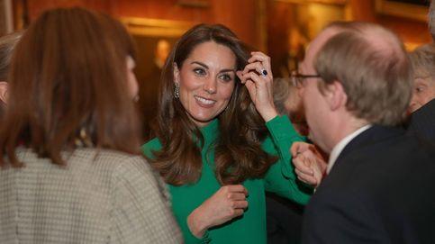 Kate Middleton, 'líder' en Buckingham: sin Guillermo y a juego con la reina Isabel