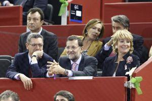 Reproches del entorno de Rajoy a Esperanza Aguirre por las consecuencias de su rifirrafe con el Rey