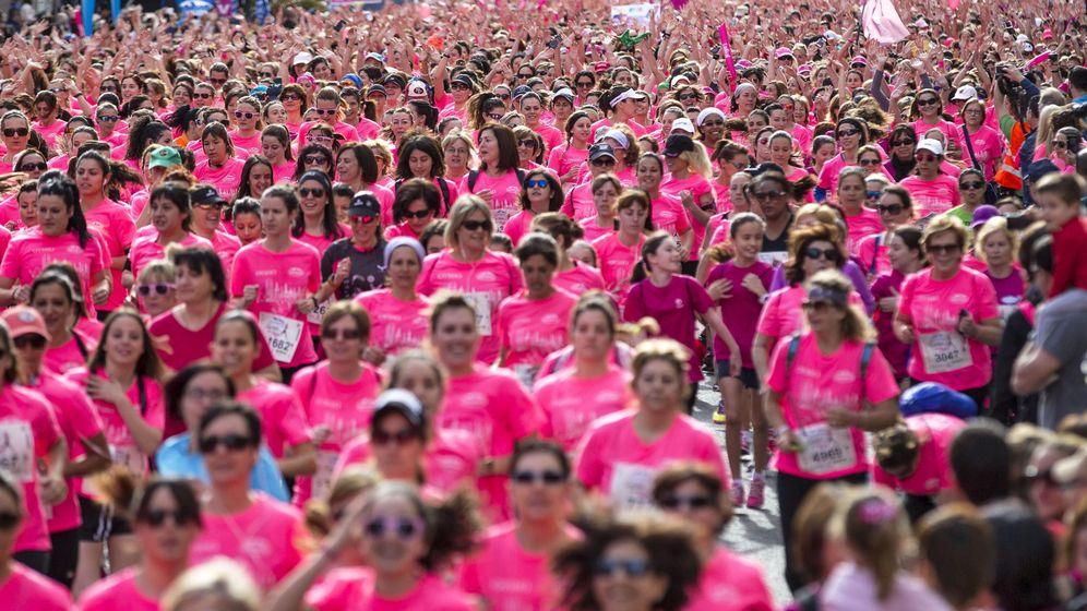 Foto: Deportistas compiten en una edición de la Carrera de la Mujer