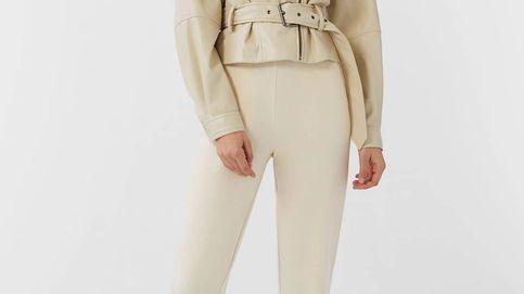 La chaqueta de Stradivarius con la que adelgazarás dos tallas