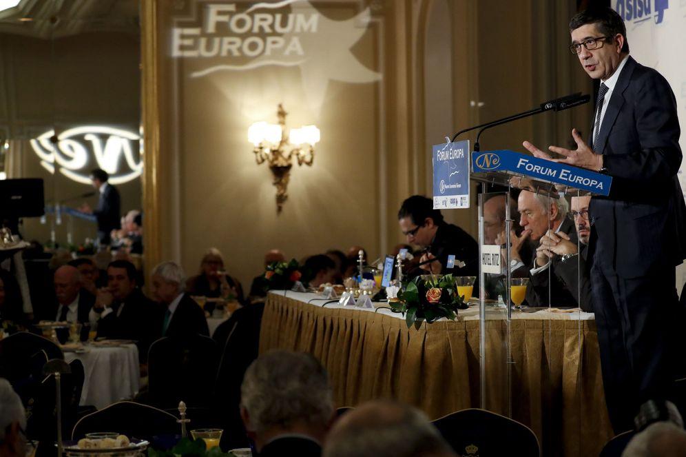 Foto: Patxi López, durante su intervención en el desayuno informativo organizado por Nueva Economía Fórum en el hotel Ritz de Madrid, este 3 de febrero. (EFE)