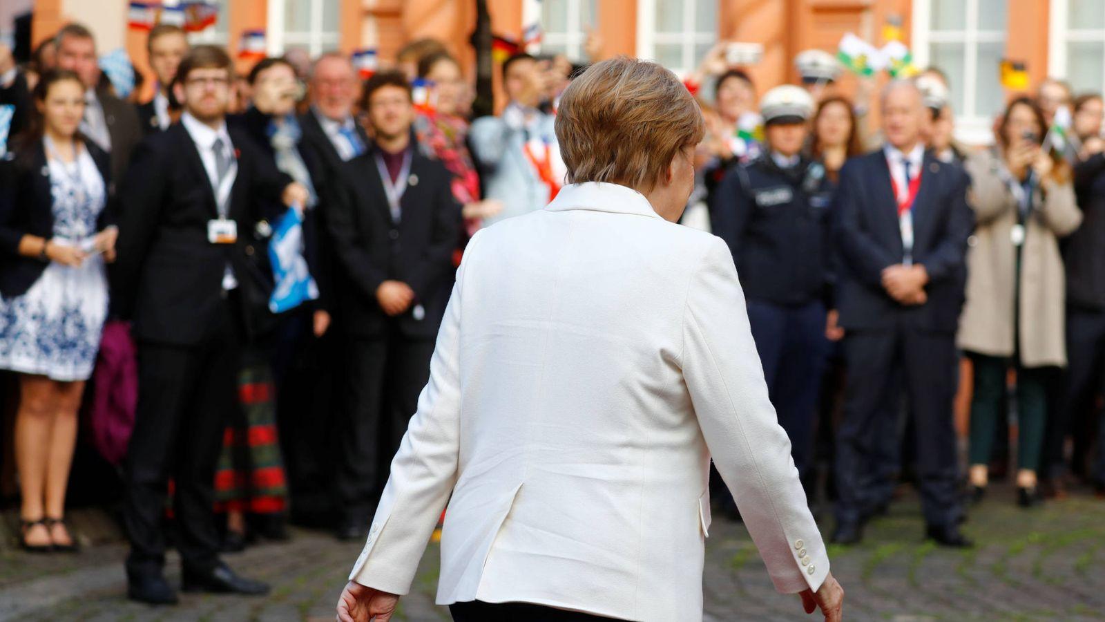 Foto: La canciller Angela Merkel a su llegada a las celebraciones por el Día de la Unificación Alemana, en Mainz, el 3 de octubre de 2017. (Reuters)