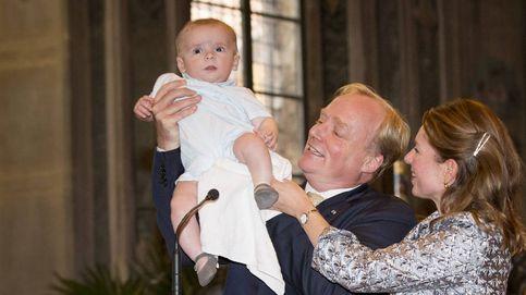 Los carlistas presentan a su heredero  en la catedral de Barcelona