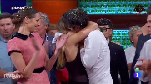 Jorge celebra su triunfo en 'MasterChef 5' besándose con Miri