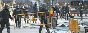 Foto: Felip Puig crea una unidad especial contra la guerrilla urbana del 15M