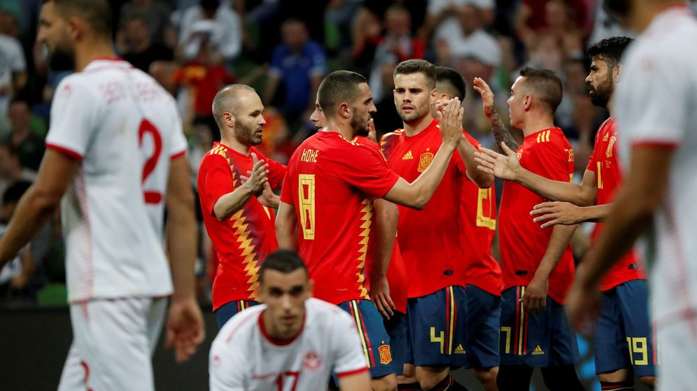 Foto: España celebrando el tanto frente a Túnez. (EFE)
