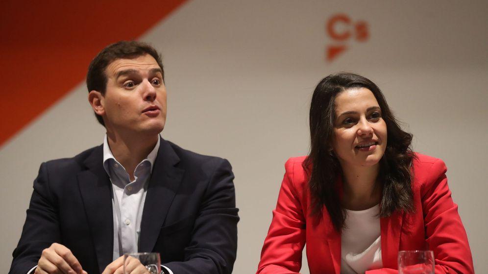 Foto: El presidente de Ciudadanos, Albert Rivera, y la candidata a la presidencia de la Generalitat Inés Arrimadas, durante la reunión del comité ejecutivo del partido en Barcelona. (EFE)