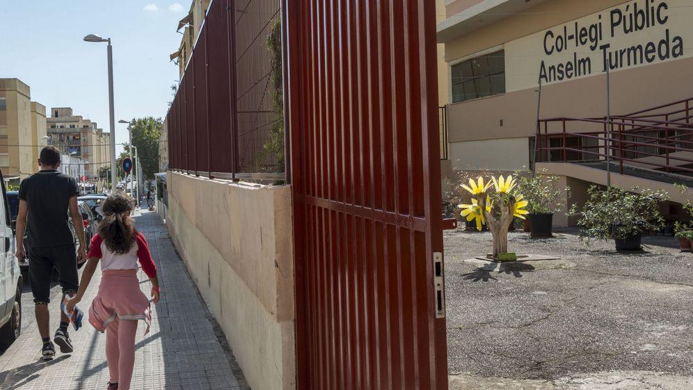 Foto: El colegio público Anselm Turmeda de Palma, donde sucedieron los hechos (EFE)
