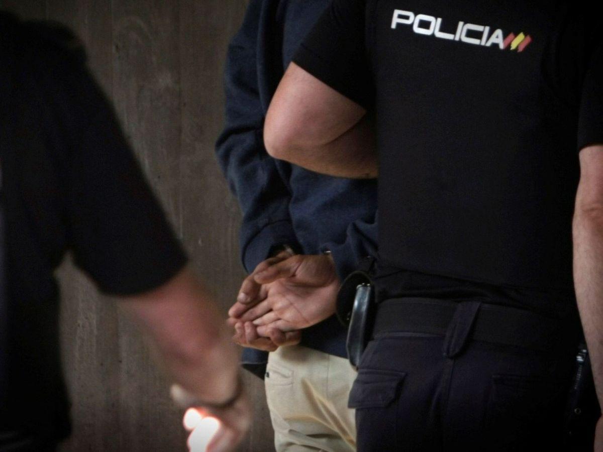 Foto: Un sospechoso, detenido por la Policía Nacional. (EFE)