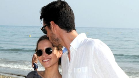 Ana Fernández recuerda a Santi Trancho con un beso