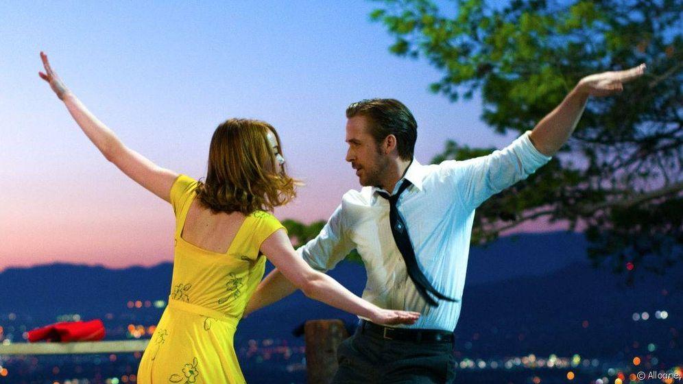 Foto: Emma Stone y Ryan Gosling en un duelo de baile en 'La La Land'