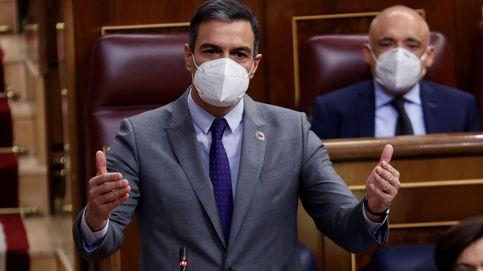 Sánchez anuncia la recuperación y Casado le acusa de un empecinamiento que cuesta vidas