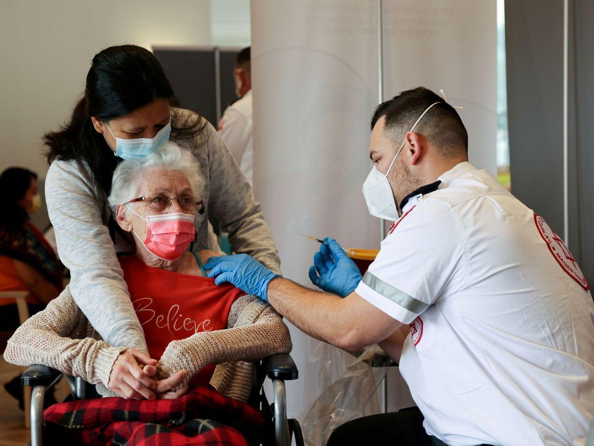 Foto: Campaña de vacunación en Israel. (Reuters)