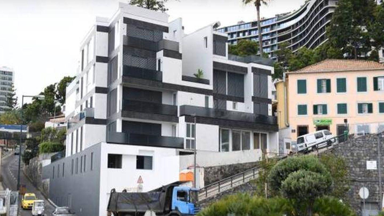 El edificio está situado en el centro de Funchal. (YouTube)