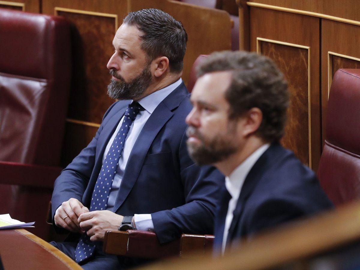 Foto: El líder de Vox, Santiago Abascal (i), y el portavoz de la Formación, Iván Espinosa de los Monteros (d). (EFE)