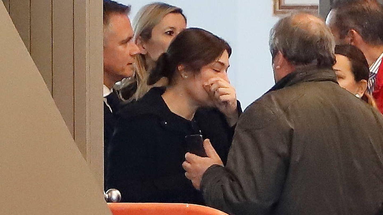Raquel Revuelta, en el funeral de su expareja. /Lagencia Grosby)