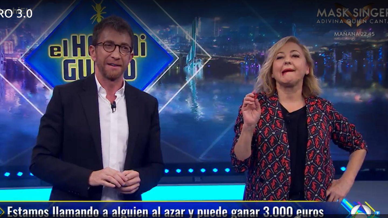 Pablo Motos y Carmen Machi, en 'El hormiguero'. (Antena 3)