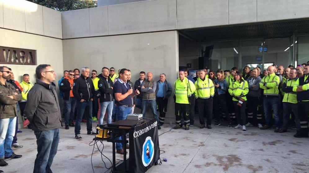 Foto: Concentración de los estibadores, en Valencia. (Facebook)