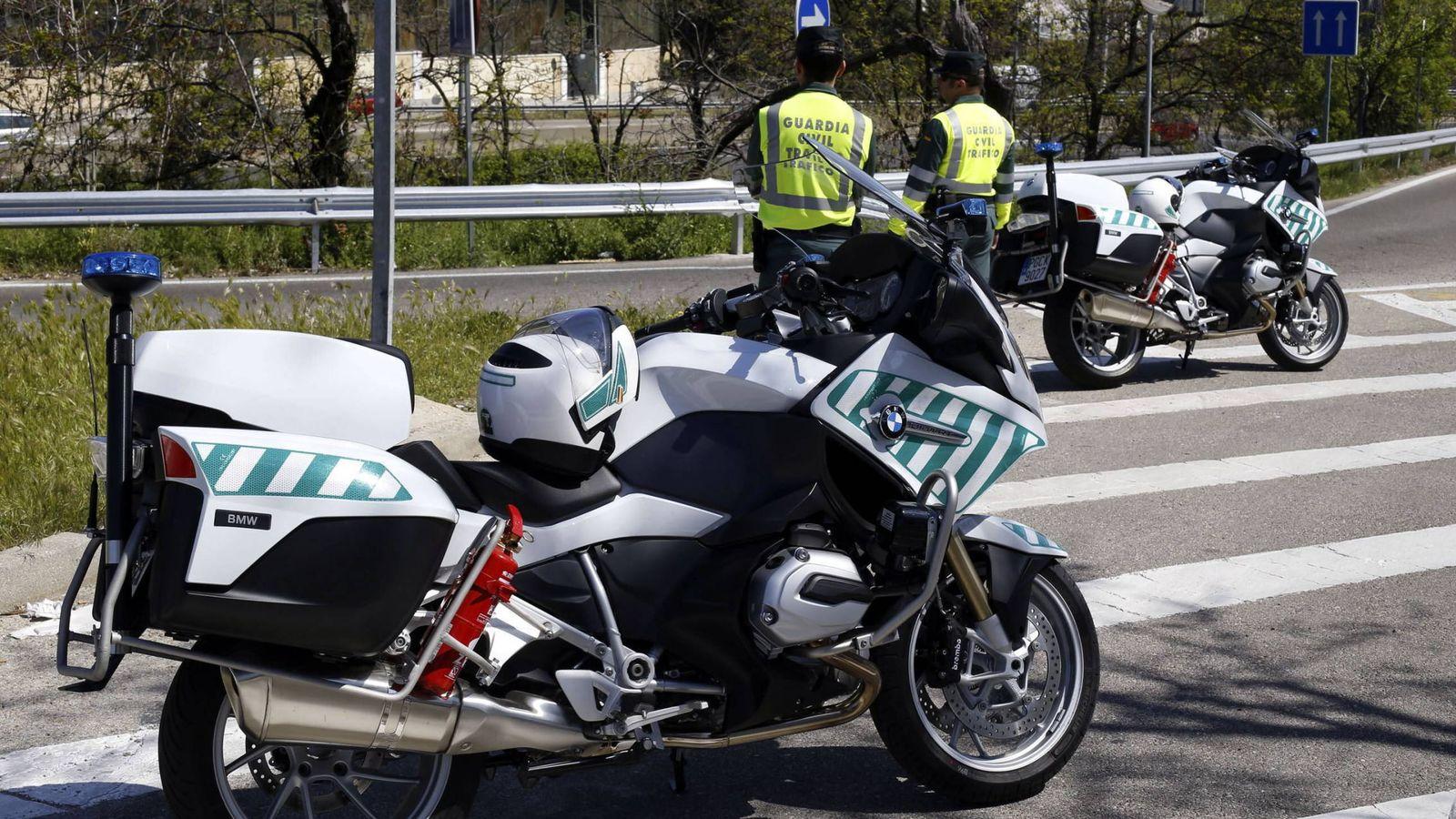 Foto: Los agentes de la Guardia Civil detuvieron a la mujer por simulación de delito (EFE/Paco Campos)