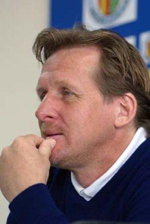 Schuster bendice a Laudrup como su posible sucesor en el Getafe