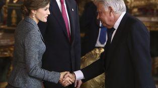 Rosa Conde, encargada del 'toque de corneta' a los socialistas para arropar al Rey