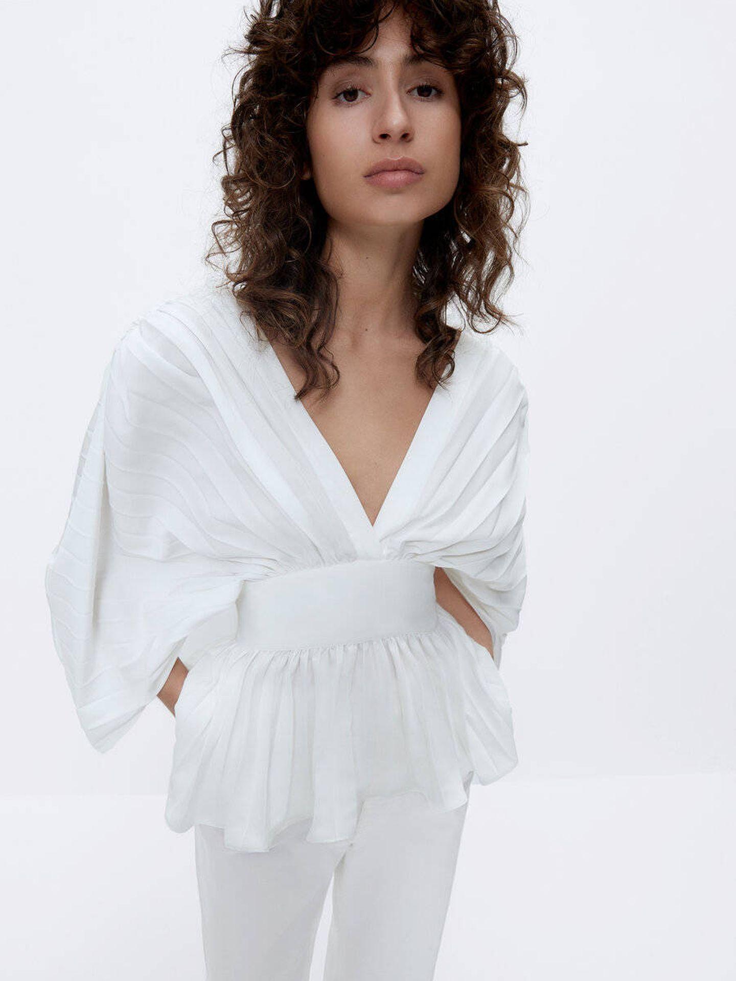 La blusa de Uterqüe. (Cortesía)