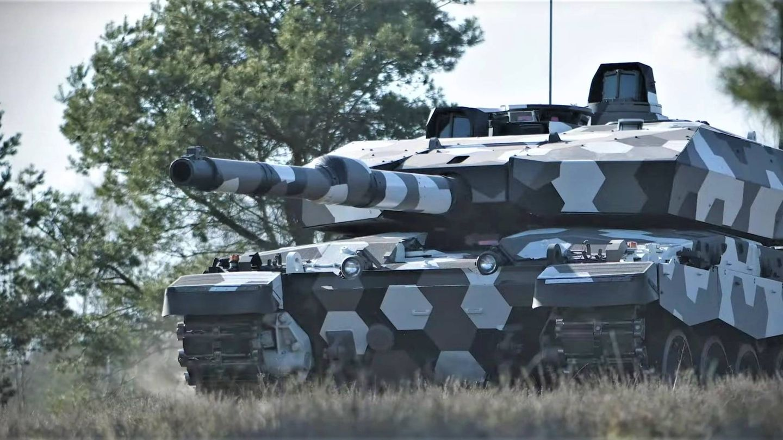 Challenger II con el can?o?n de 130mm (Rheinmetall).