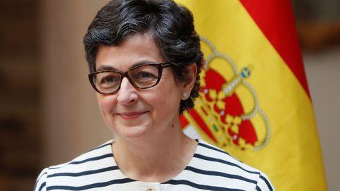Del 'bombo' a las vacunas: los frentes internos de Laya debilitan la diplomacia española