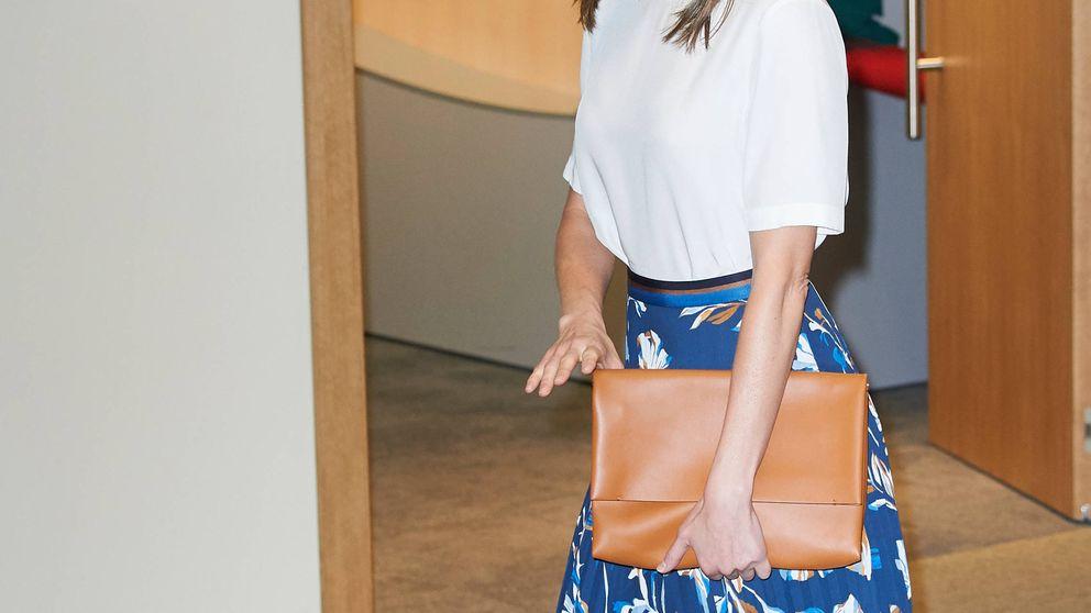 El discreto look de la reina Letizia el día que se conoce el futuro de Urdangarin