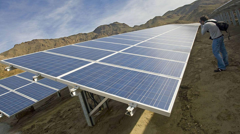 Placas fotovoltaicas, en La Rioja. (EFE)