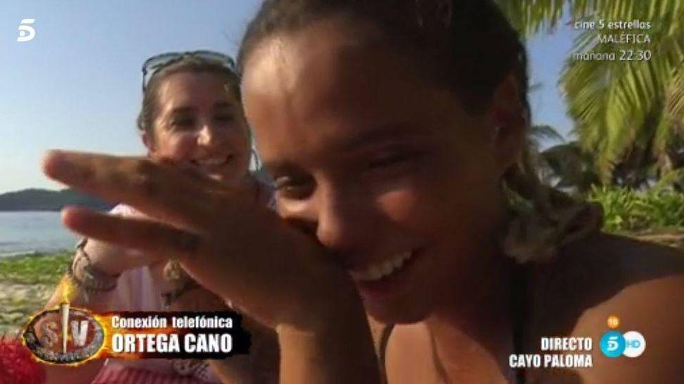Foto: Gloria Camila recibe la llamada de Ortega Cano en 'Supervivientes'.