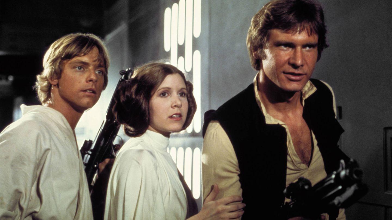 Mark Hamill, Carrie Fisher y Harrison Ford en una imagen de la película