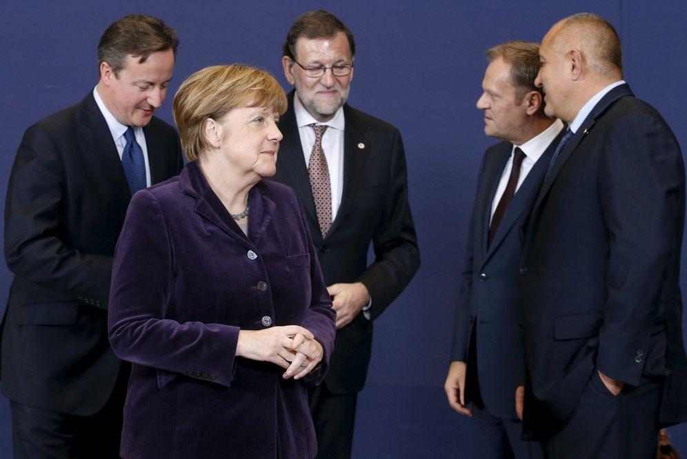 Foto: Cameron, Merkel, Rajoy, Tusk y Borisov durante la cumbre celebrada en Bruselas, Bélgica, el 17 de diciembre de 2015 (Reuters).