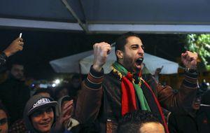 Javier Clemente es recibido como héroe por el primer ministro libio