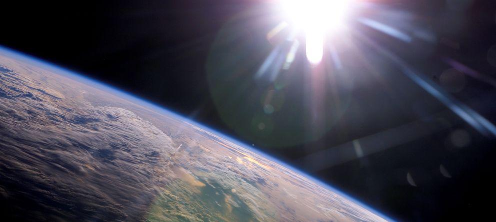 Foto: ¿Gira el Sol alrededor de la Tierra? Unos cuantos estadounidenses piensan que sí. (NASA)
