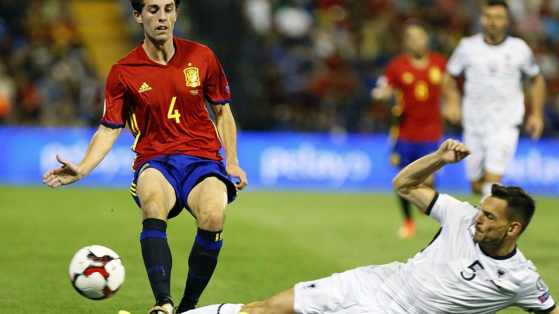 Odriozola firmó un debut de ensueño con la selección. (EFE)