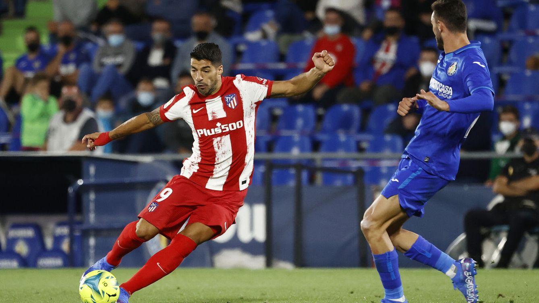 Suárez tumba en el minuto 90 a un Getafe con 10 y prolonga la angustia de Míchel (1-2)
