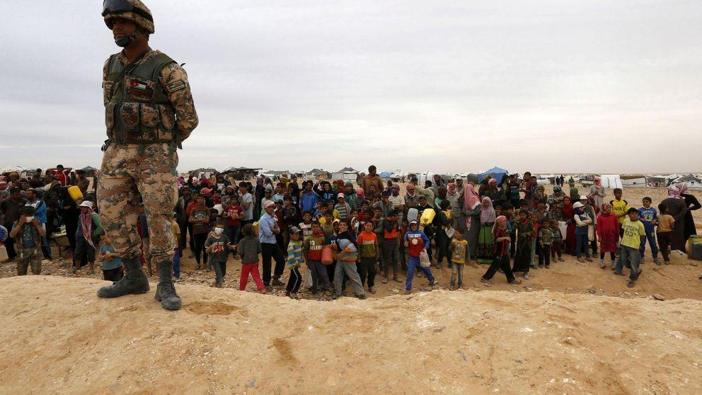 75.000 refugiados atrapados en tierra de nadie entre Jordania y Siria