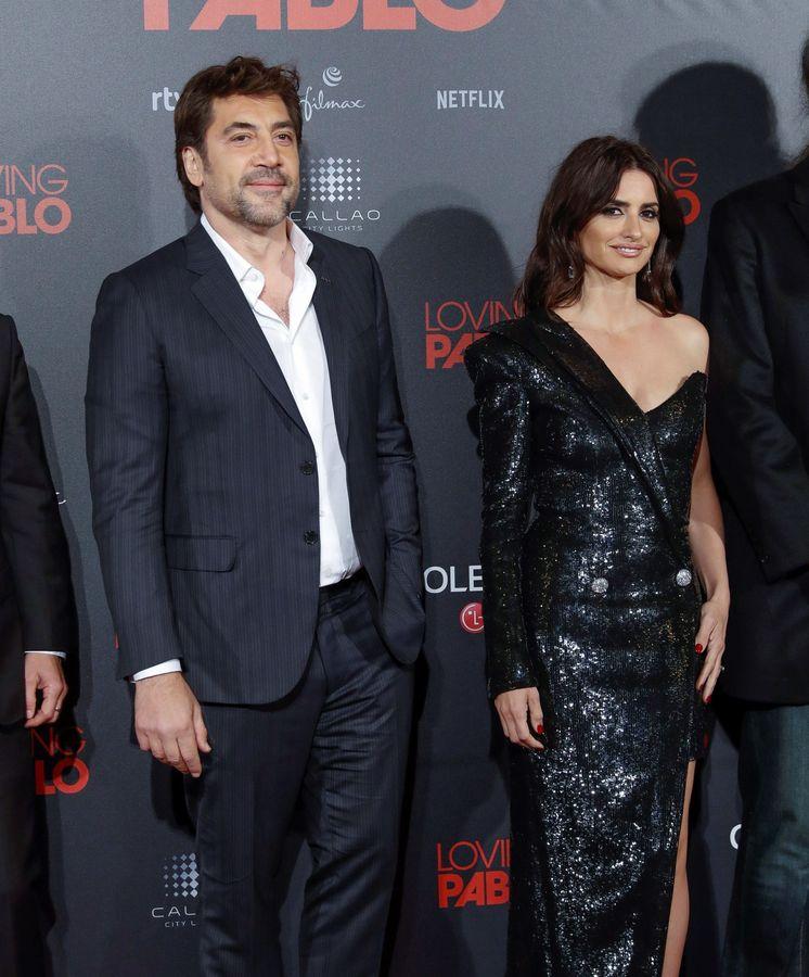 Foto: Javier Bardem y Penélope Cruz, en la presentación de 'Loving Pablo', en marzo. (EFE)