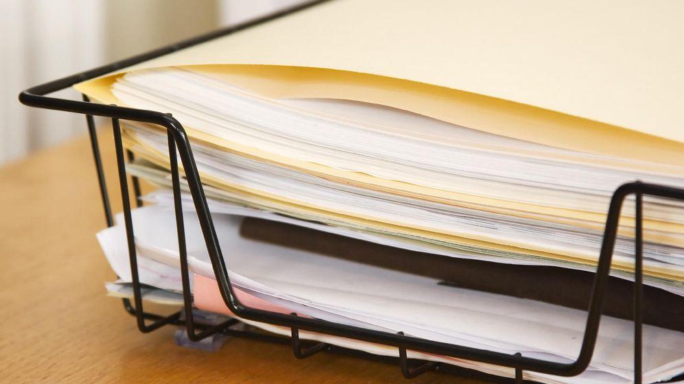 Foto: La documentación en papel sigue resistiendo, pero desaparecerá tarde o temprano. (iStock)