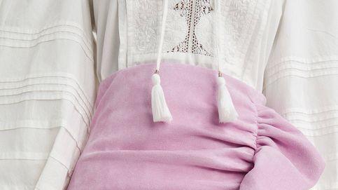 Sfera tiene una falda de antelina que reduce tallas y destila estilo