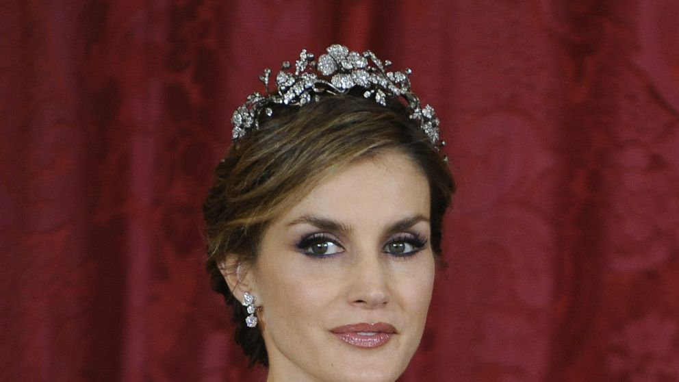 Letizia, Matilde y Mary, tres 'royals' que no abusan del joyero real