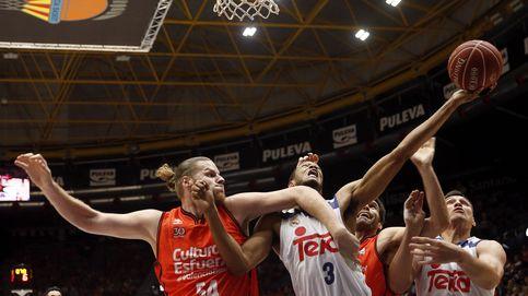 El Real Madrid vence con autoridad al Valencia Basket y ya mete miedo