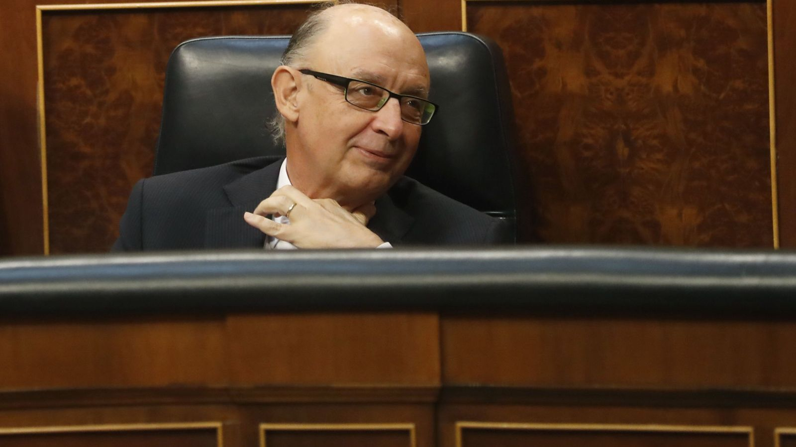 Foto: El ministro de Hacienda, Cristóbal Montoro, en el Congreso (EFE)