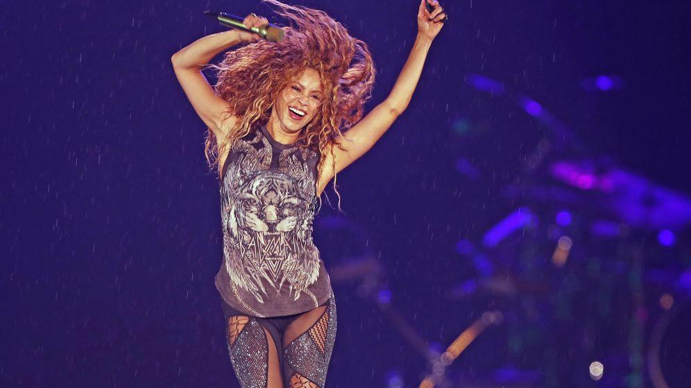Foto: Shakira en su gira latinoamericana El Dorado World Tour moviendo la caderas. (EFE)